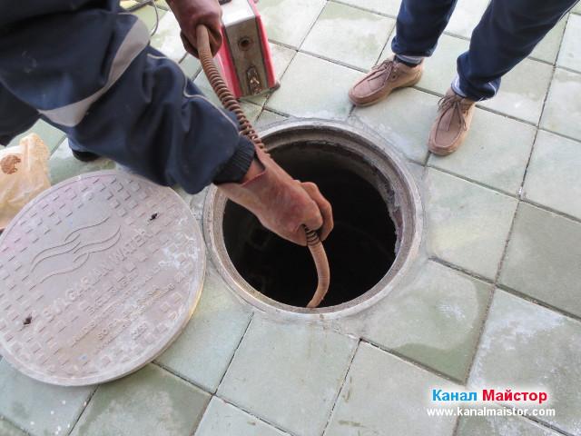 Отпушване на канализацията с машината