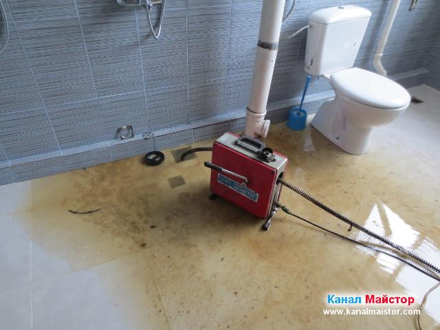 Отпушване на канализацията на банята