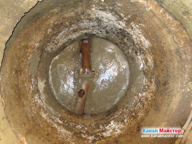 Ремонтираната канализационна шахта