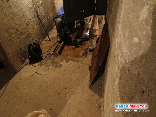 Запушването на канализацията е упорито и не се   предава лесно, въпреки нашите усилия да го премахнем