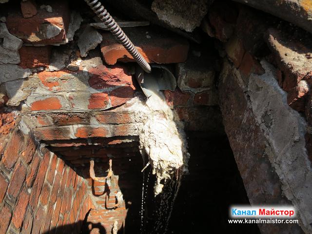 Отпушването на канализацията в действие