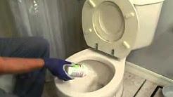 Отпушване на тоалетна с препарат