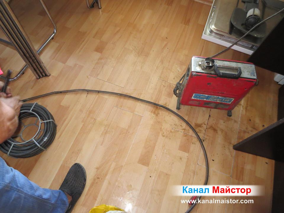 Събираме си спиралите за отпушване на мивки и тръби до Ф50мм